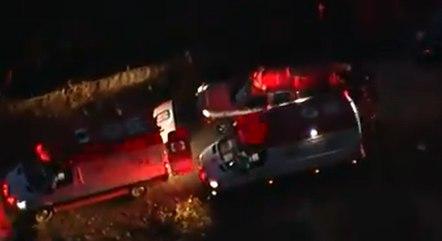 Equipes dos bombeiros atuam em resgate de família em Pirapora do Bom Jesus (SP)
