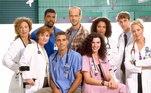 Plantão Médico(ER) - 15 temporadasA série médica que ajudou a alavancar a carreira de grandes nomes como George Clooney ficou no ar de 1994 até 2009, com um total de 15 temporadas e mais de 330 episódios