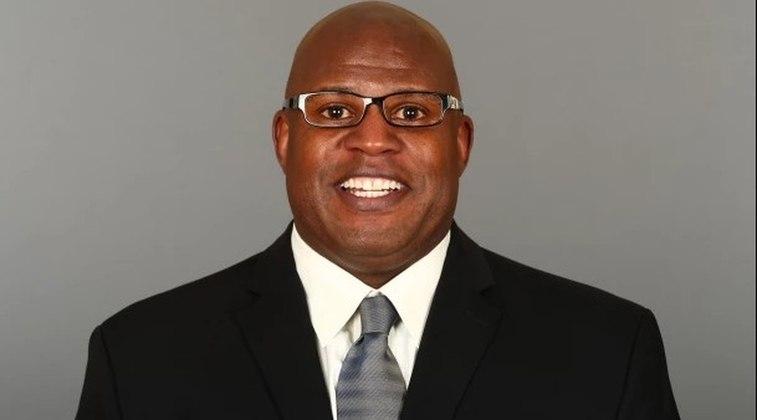 Eric Bienemy – Coordenador ofensivo do Kansas City Chiefs: O homem que ajudou a moldar o talento de Patrick Mahomes e a imparável ofensiva dos Chiefs.