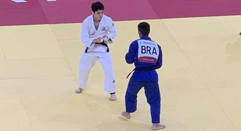 """Eric Takabatake, a derrota, para o sul-coreano Win-Jin, apenas no """"golden score"""""""