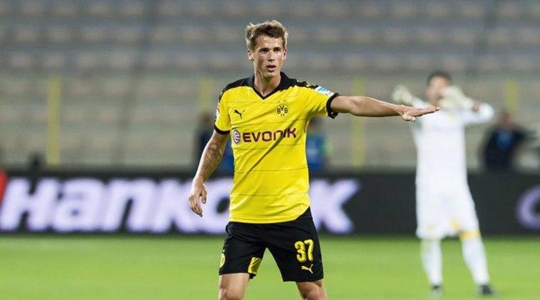 Erik Durm (reserva): Lateral que faz os dois lados do campo, Durm está hoje no Eintracht Frankfurt e ainda tem chances de ser convocado para a seleção, entretanto com mais dificuldades do que antes.