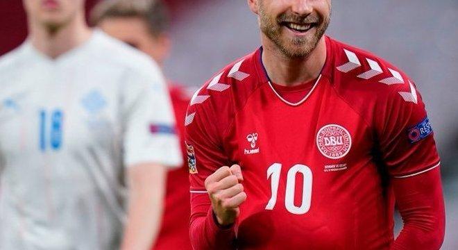 Eriksen, 2 X 0 em favor da Dinamarca, ambos os tentos do recém-papai