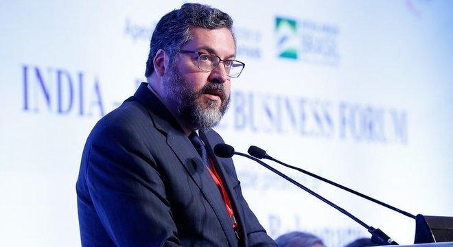 Ernesto Araújo, ministro das Relações Exteriores do Brasil, divulgou texto em que associa a OMS ao comunismo