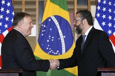 Ernesto Araújo e Mike Pompeo