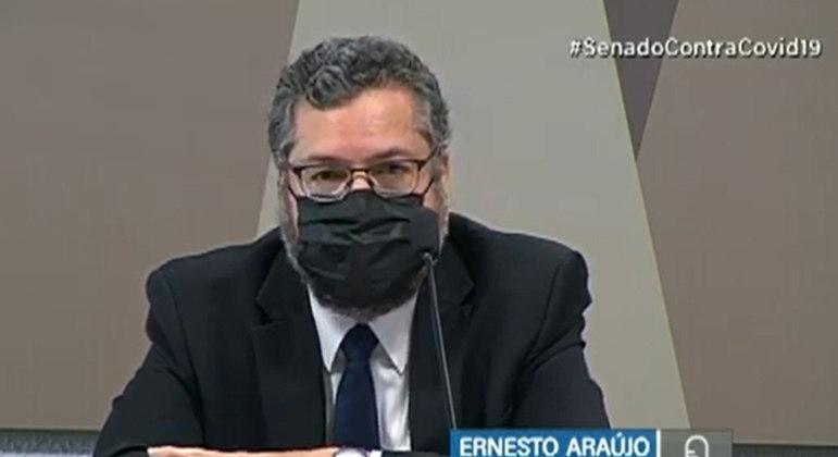 Ernesto Araújo durante audiência pública no Senado