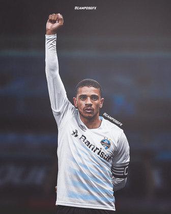 Erro na magia?! Taison, ídolo do Internacional, vestindo a camisa do Grêmio.