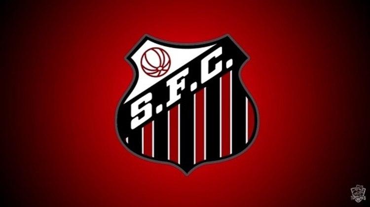 Erro no feitiço do Doutor Estranho? O escudo do Santos com as cores do São Paulo.