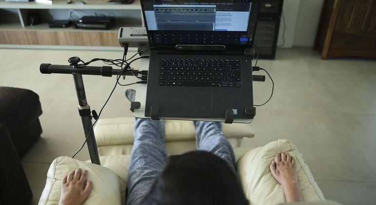Pessoas com esclerose múltipla perdem movimentação com o passar do tempo da doença
