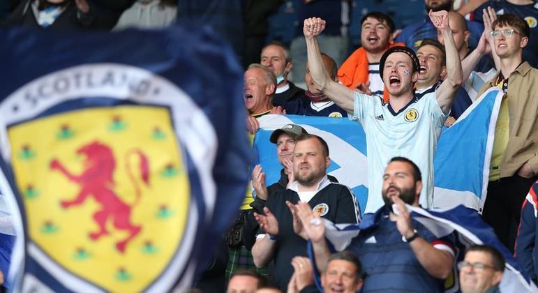 Torcedores infectados foram a jogos em Glasgow e Londres durante a Eurocopa