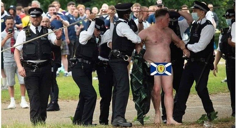 A detenção de um escocês, digamos, mais exagerado