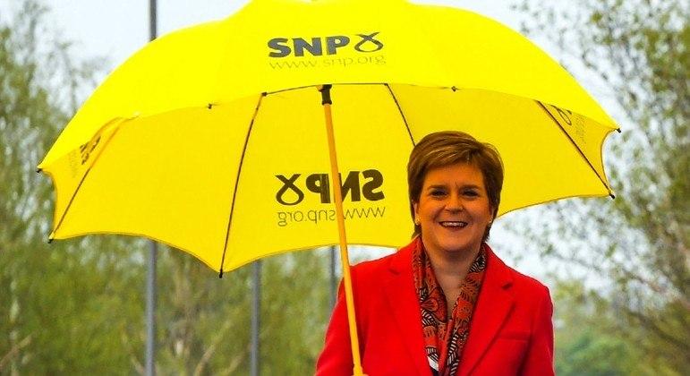 Após vitória neste sábado, Sturgeon vai governar a Escócia por mais 4 anos