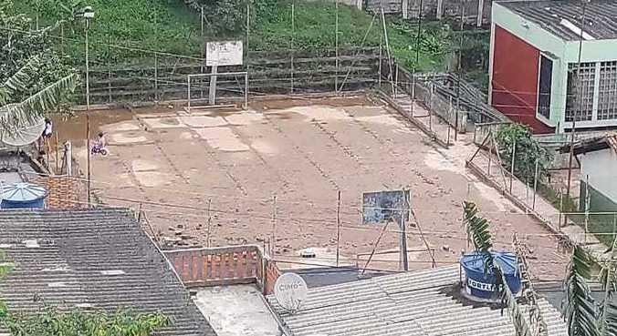 Estrutura da escola afetada pelas fortes chuvas que atingiram São Paulo