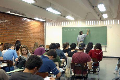 Governo oferece estágio para estudantes