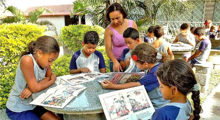Escolas vão definir possível rodízio entre os alunos
