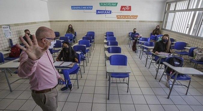 Ato deve contar com a participação de professores pais e médicos de 27 cidades