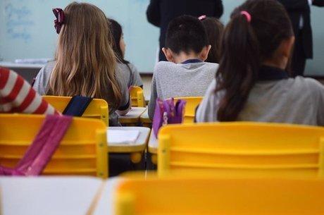 Dados do Censo ajudam a traçar panorama de estudantes de escolas, incluindo taxas de abandono