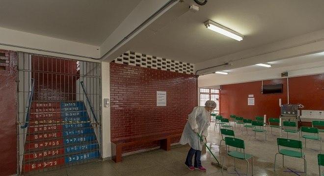 Sindicato reconhece que reabertura em setembro traz riscos, mas defende a opção