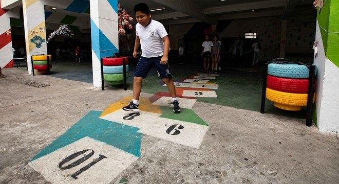 Boliviano, Alan Rodrigo aprova mudança artística na escola