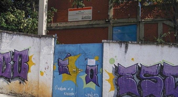 Escolas fechadas e ensino remoto prejudicaram aprendizagem de estudantes