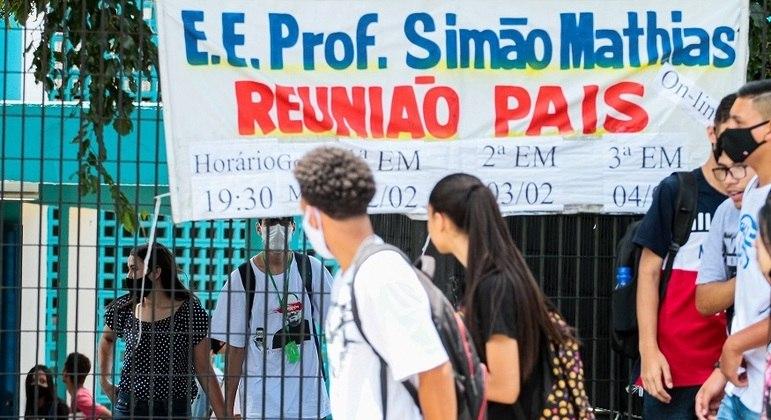 SP vai contratar 20 mil pais para atuar na rede estadual de ensino