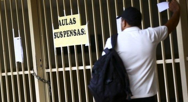 Para especialistas, 30% das escolas devem fechar as portas por conta da pandemia