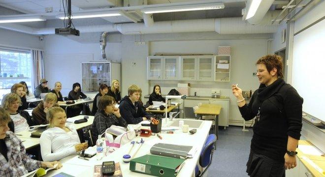 Escola na Finlândia, país com melhor colocação no quesito educação; Brasil aparece entre os três piores