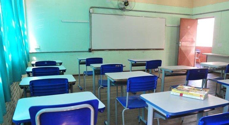 Secretário de saúde de SP defende suspensão de aulas presenciais