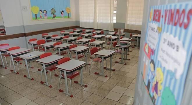 Escolas terão que funcionar com capacidade reduzida para garantir distanciamento