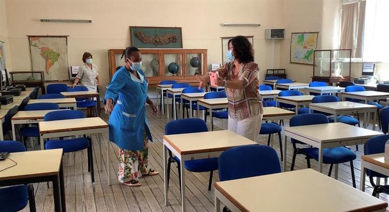 Portugal prevê novas medidas de confinamento, mas com escolas abertas