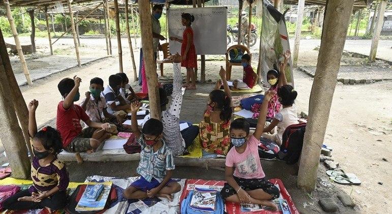 Pandemia acentua problemas na educação de países do Sul da Ásia