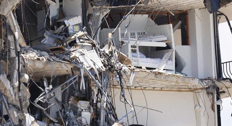 Especialistas podem antecipar a demolição do restante do prédio em Miami