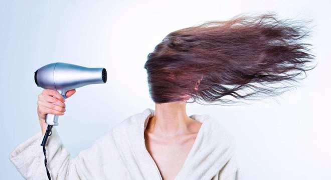 O uso do formol para alisar cabelos pode causar intoxicação e morte