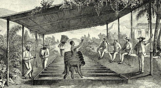 Histórico da (e gosto pela) informalidade no Brasil vem da época da escravidão, diz sociólogo