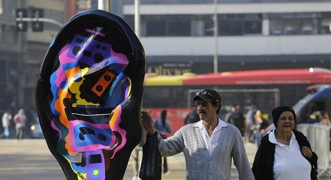 Esculturas gigantes de orelhas vão invadir SP para alertar sobre saúde auditiva