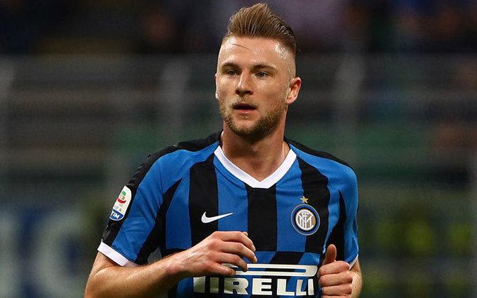 ESFRIOU - A Inter de Milão não aceitou vender o zagueiro Skriniar para o Tottenham, pois o clube inglês ofereceu metade do valor pedido pelos italianos.