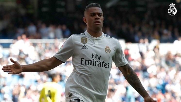 ESFRIOU: Além da contratação de Darwin Núñez, Rui Costa buscava Mariano Díaz, do Real Madrid. O Benfica já tinha um pré-acordo com o clube espanhol pelo empréstimo do jogador, mas o