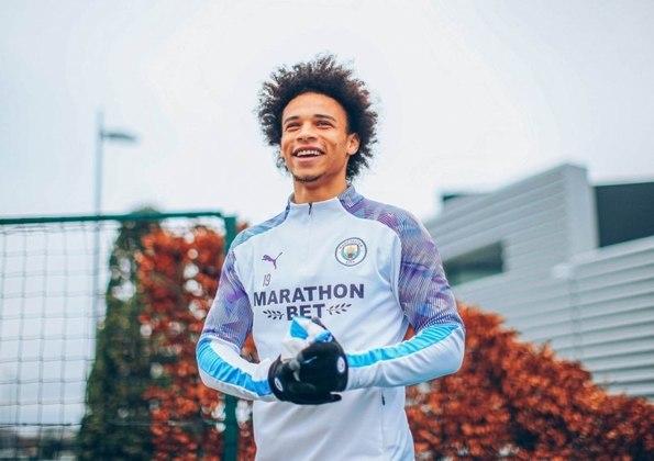 ESFRIOU - Apesar de encerrar seu contrato em 2021, Leroy Sané deve continuar na próxima temporada no Manchester City. O 'Times' informa que o clube inglês quer contar com o atacante alemão até o encerramento do seu vínculo.