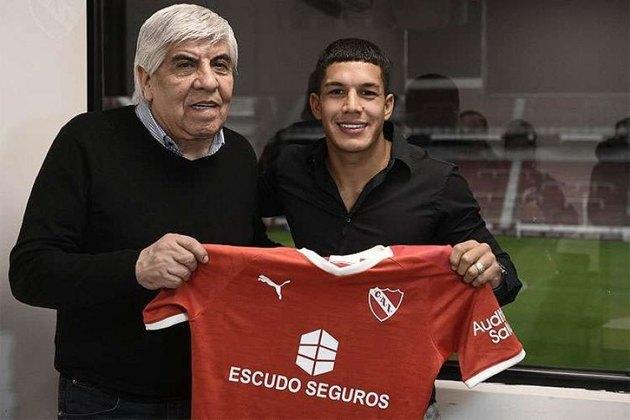 ESFRIOU - Apontado como alvo do Fortaleza, o meia Lucas Romero é tido como caro para o clube. O Leão segue em busca de reforços no mercado sul-americano.