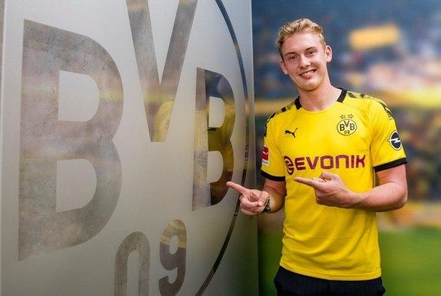 ESFRIOU - Especulado para deixar o Borussia Dortmund, Lars Zorc afirmou que não recebeu nenhuma proposta por Brandt e que a ideia é seguir com o jogador no clube.