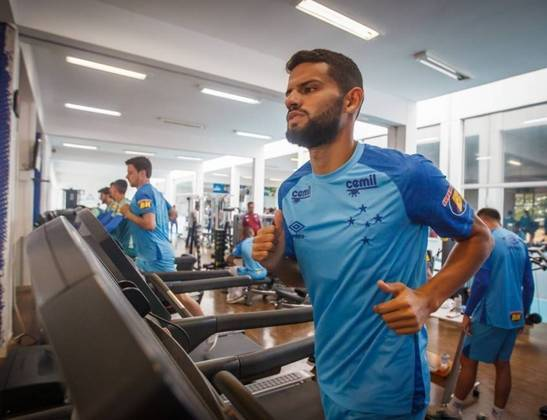 ESFRIOU - O Cruzeiro recusou proposta do Athletico-PR pelo volante Jadsom, de 19 anos. O clube paranaense ofereceu 500 mil euros (cerca de R$ 3 milhões) para ficar 30% dos direitos econômicos do jogador. A Raposa considerou a quantia baixa por metade da sua parte nos direitos do atleta.
