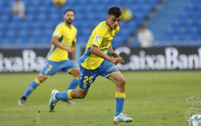 ESFRIOU - Pedri González se despediu do Las Palmas para se apresentar como novo jogador do Barcelona para a próxima temporada. Mesmo com o interesse de diversos gigantes europeus, o meia afirmou que quer permanecer no elenco principal do Barcelona.