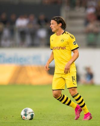 ESFRIOU - Segundo a ESPN britânica, o Borussia Dortmund rejeitou uma proposta de empréstimo feito pelo Manchester United sobre o lateral-esquerdo Nico Schulz, no último dia do mercado.