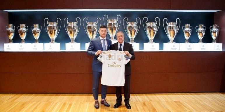 ESFRIOU - Segundo Ekrem Konur, o Real Madrid rejeitou a proposta feita pelo Wolverhampton para Luka Jovic.