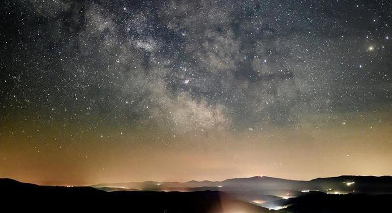 Astrônomo fazia observações a olho nu na década de 80