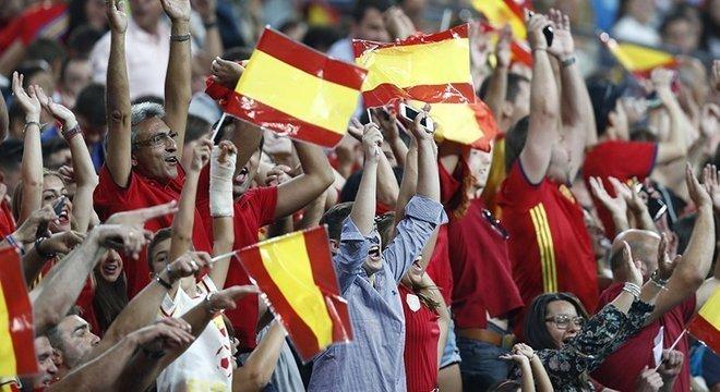 A torcida da Espanha, invicta até aqui