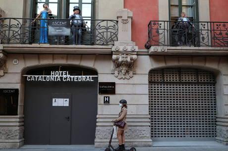 Espanha rejeita novo confinamento