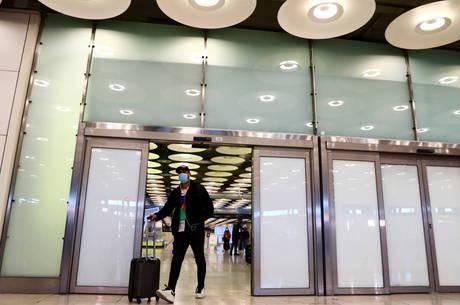 Espanha exige teste negativo de covid de visitantes