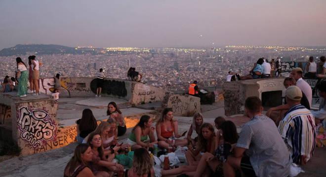 Autoridades recomendam que cidadãos não viajem à Espanha