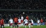 A Espanha também se recuperou do empate, em casa, na rodada inicial, contra a Grécia, e venceu, de virada, a Geórgia, fora de casa, por 2 a 1. A Geórgia fez o primeiro, com Kvaratskhelia, e a Espanha, remodelada pelo técnico Luis Henrique, virou no segundo tempo com gols de Ferrán Torres e Olmo, sendo o segundo já aos 47 minutos do segundo tempo, chutando de fora da área, com a bola entrando após desvio do goleiro