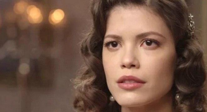 Vitória Strada é a protagonista de 'Espelho da Vida'